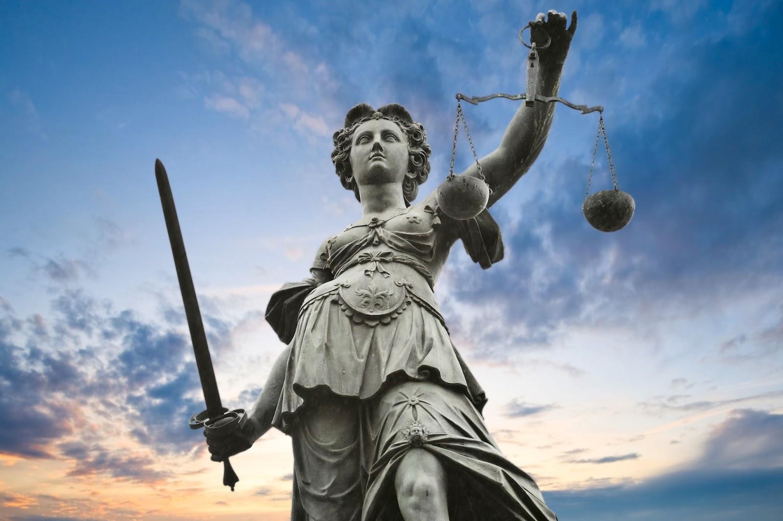 adalet tanricalari felsefe tasi