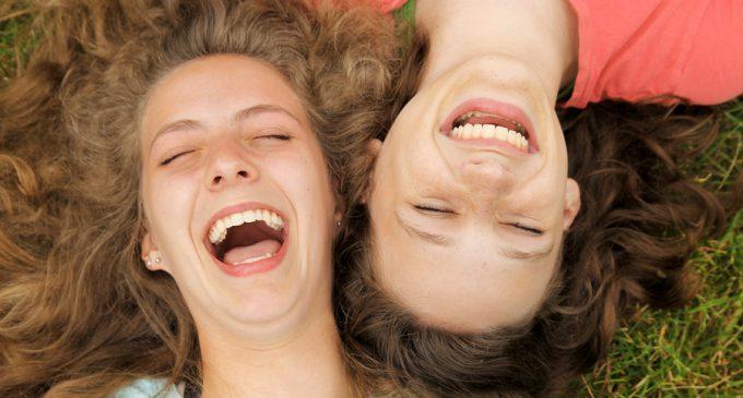 Güleriz Ağlanacak Halimize!